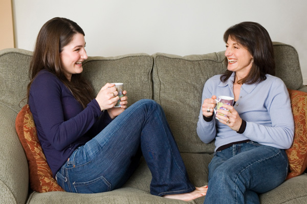 mom-teen-coffee-chat